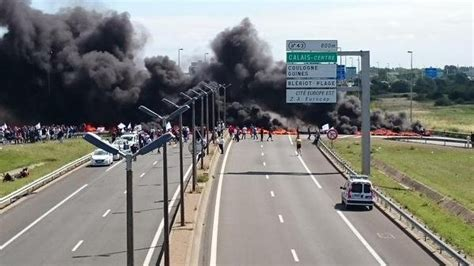 Calais, France, protest delays Channel Tunnel traffic