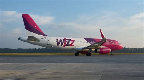 Wizz Air is Surprised that Everyone with Tickets Wants to